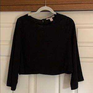 Cropped black top